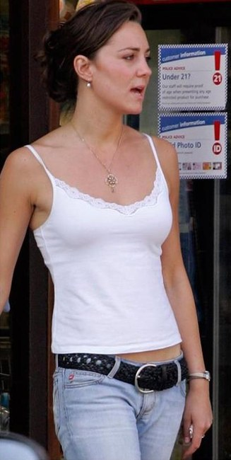kate-middleton-and-french-connection-white-vest-top-gallery