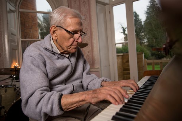 PAY-Edward-Hardy-93-pictured-at-Mellifont-Abbey-care-home-in-Wookey