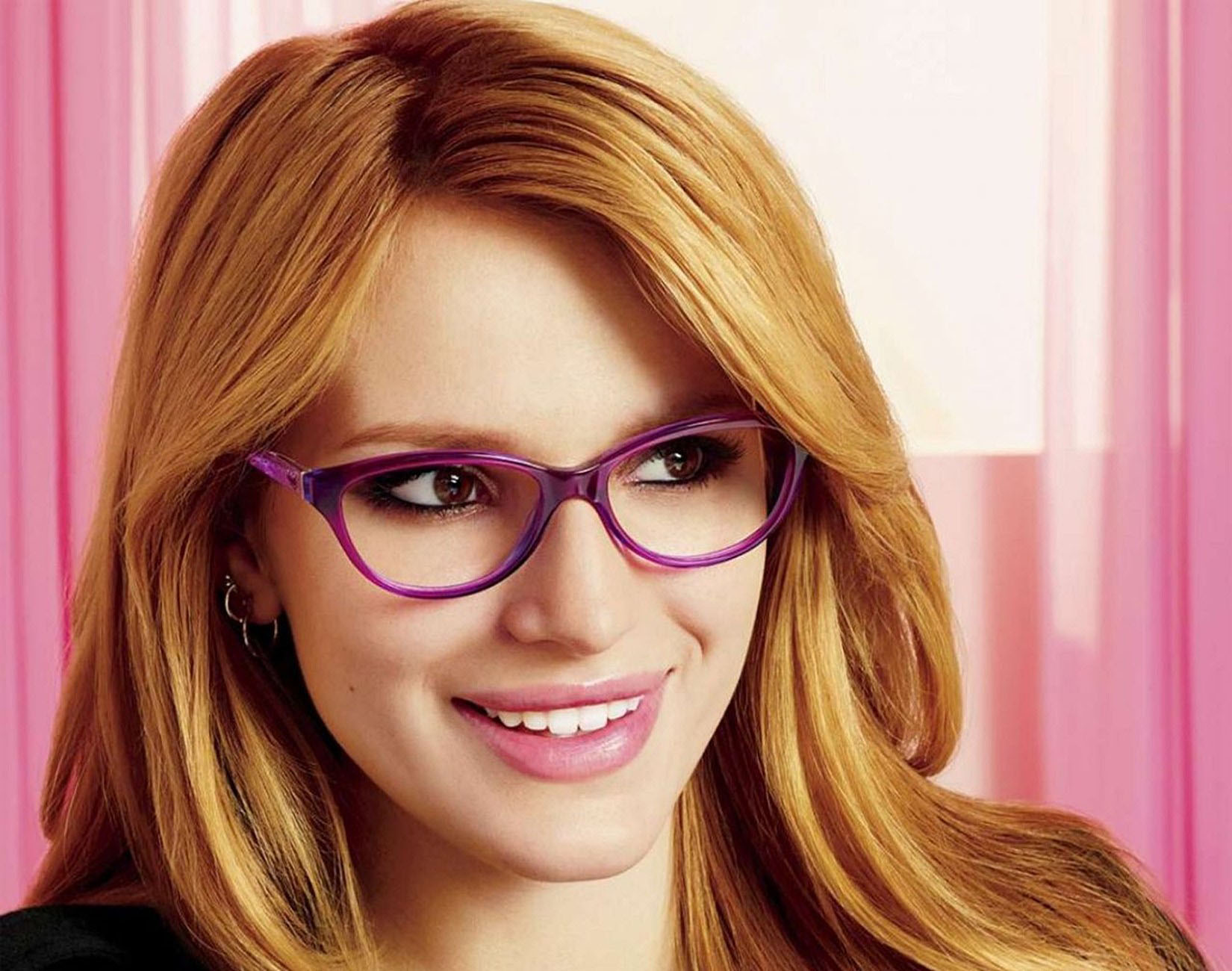 bella-thorne-purple-glasses-wallpaper-hd